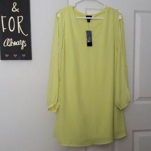 Worthington split sleeve mini dress